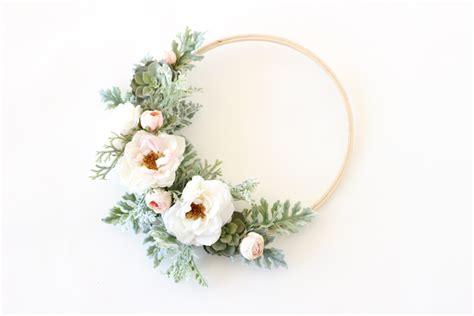 diy hula hoop wreath   budget friendly idea  parties