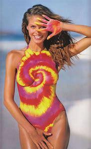 Heidi Klum Sports Illustrated Swimsuit Bod…