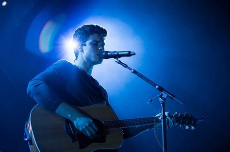 """Shawn Mendes Debuts New Song """"hold On"""" Live Watch Idolator"""