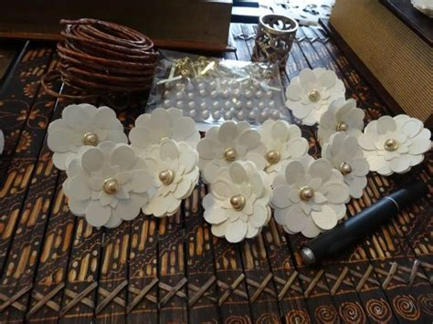 paper flower napkin rings weddingbee photo gallery