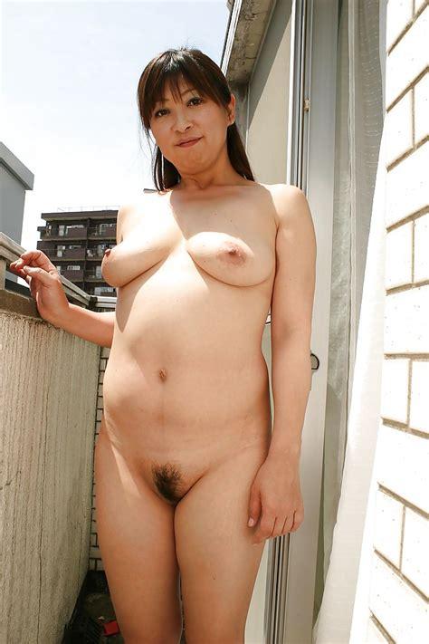 Sassy Asian Mature Gal Nozomi Oshima Posing Naked And Taking Bath Porn Pictures Xxx Photos Sex