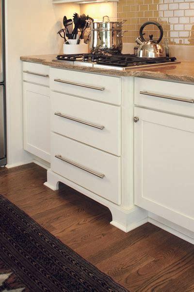 cabinet valances decorative accents   kitchen
