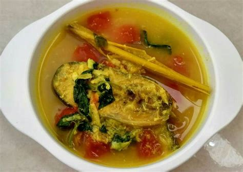 Tinorangsak or tinoransak is an indonesian hot and spicy meat dish that uses specific bumbu (spice mixture) found in manado cuisine of north sulawesi, indonesia. Resep Ikan Patin Bumbu Kuning MPASI 1+ yo oleh marissca ...