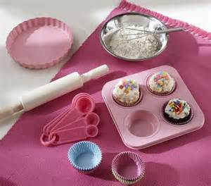 Pottery Barn Kids Baking Set