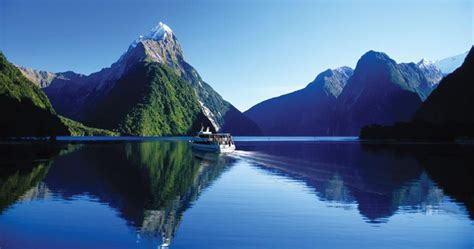 Milford Sound Tour Mad Monkey Backpackers