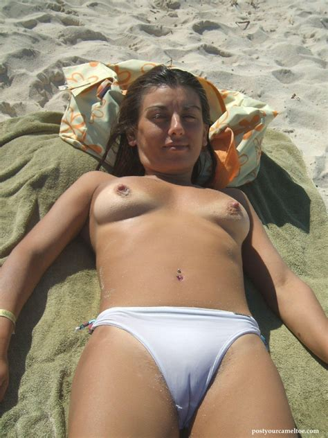 Women Showing Their Sexy Camel Toes Bikinis Cameltoe