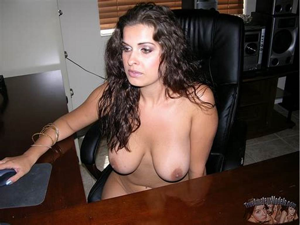 #Native #American #Milf #Spreads #Nude