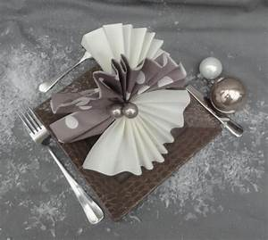 calendrier de l39avent 2012 j 7 quot pliage de serviettes With lovely association de couleurs avec le gris 4 comment choisir les couleurs de son mariage