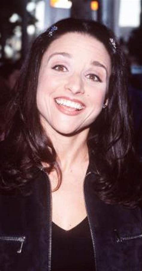 For the latter series, she also set a record for most emmy wins for the same role. Pictures & Photos of Julia Louis-Dreyfus - IMDb