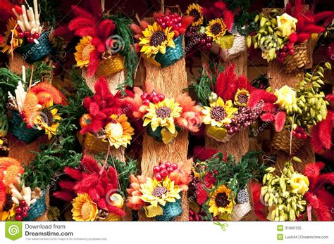 Dry Flowers Decoration For Home: Traditional Handicraft Colorful Flower Decoration Royalty