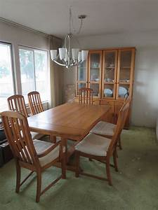 Vintage BROYHILL OAK DINING TABLE 6 CHAIRS Modern