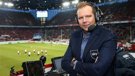 Im wahren leben und in der virtuellen welt. Freiburg - BVB: Fan fragt Sky-Kommentator Wolff Fuss live ...