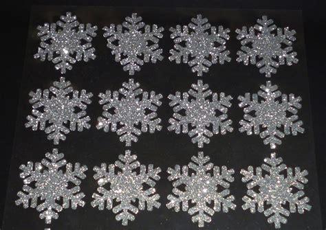 glitzer zum aufkleben 24 silberne glitzer schneeflocken zum dekorieren und basteln www cartissimi