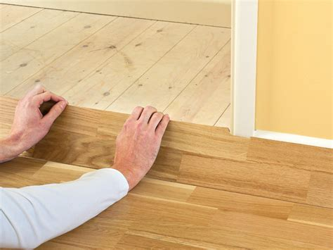 laying click laminate flooring how to install click lock laminate flooring how tos diy