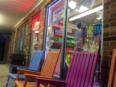 rocking chairs out front picture of sweet spot emerald
