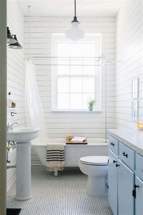 White Shiplap Bathroom by What Exactly Is Shiplap 10 Reasons To Put Shiplap Walls