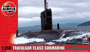 Trafalgar Class Submarine Plastic Model Kit  Scale 1 350