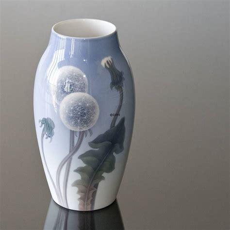 royal copenhagen vases vase with dandelion royal copenhagen no 1285740 alt