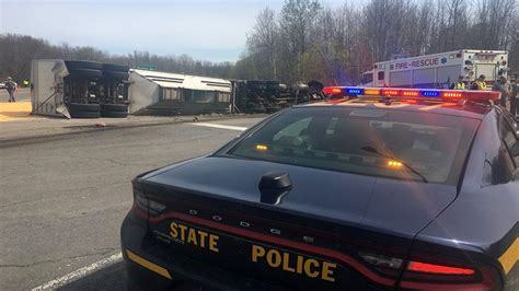 tractor trailer collides pickup truck wolcott
