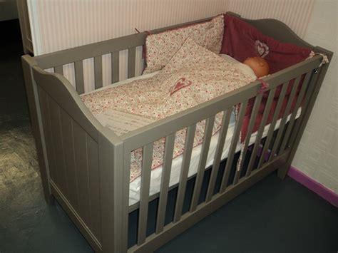 chambre bebe bois massif chambre bébé bois massif design d 39 intérieur et idées de