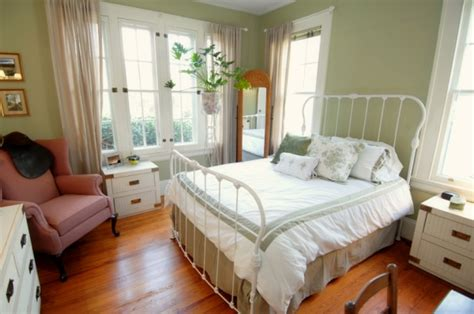 10x10 Bedroom With Bed by Small Bedroom Big Bed 15 Decor Ideas Enhancedhomes Org