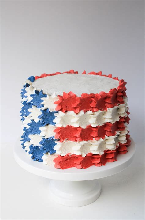4th of july cake buttercream stars and stripes 4th of july cake erin bakes