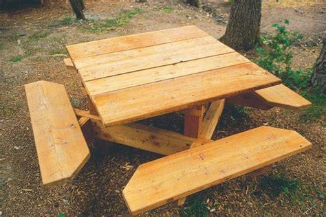 table de jardin en bois construire une table de jardin