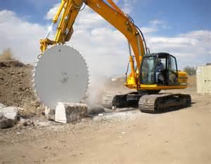 Hydraulic Concrete Saw Photo