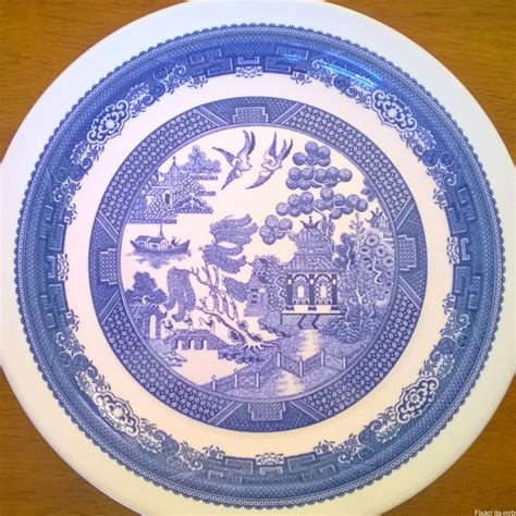 blue willow china 10 things you didn t know about blue willow china dusty old thing
