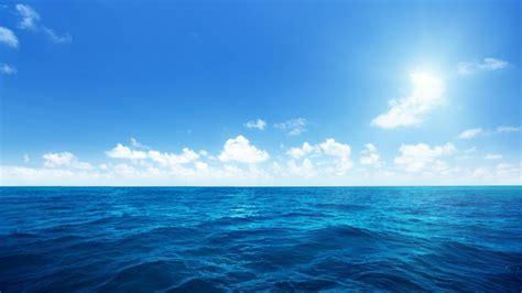 wallpaper biru laut laut langit biru awan putih laut