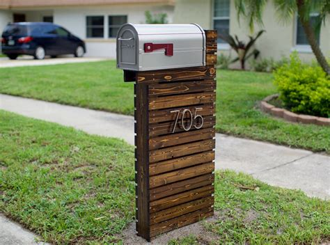 They Revamped Their Boring Mailbox Into A Traffic-stopping Piece Of Art! Diy Thermostat Replacement Throw Pillows Diys For Teenage Rooms Kitchen Decorating Ideas Whiter Teeth Van Conversion Bottle Opener Keychain Cosmetic Bag