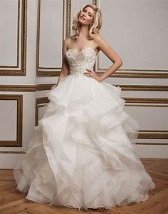 Dazzling handkerchief hem wedding dress weddceremonycom for Handkerchief wedding dress