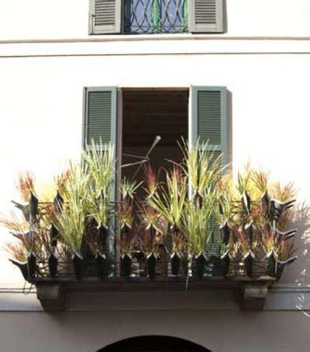 arredare balconi e terrazzi oggetti utili per piccoli balconi arredare terrazzi e
