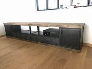Meuble Tele Industriel : meubles tv industriel bois et m tal l 39 or du temps ~ Teatrodelosmanantiales.com Idées de Décoration
