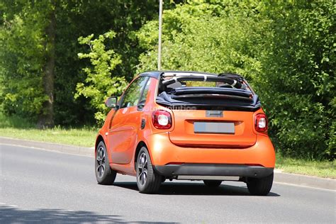 Spyshots 2018 Smart Fortwo Cabrio Spotted Again The Roof