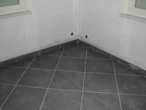 carrelage joint blanc ou gris With carrelage adhesif salle de bain avec led qui réagit au son