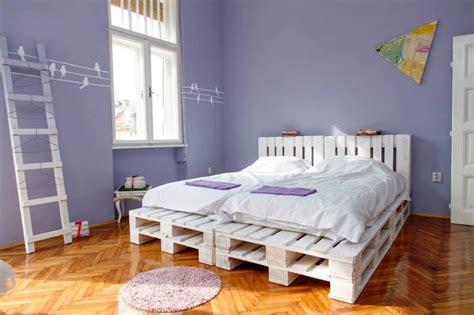 chambre a coucher 2 personnes un meuble en palette de bois pour chaque pièce de la maison