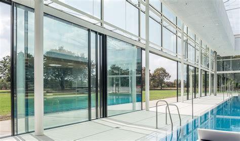 Transparente Solarpaneele Fuer Glasfassaden by Das F 228 Cherbad In Karlsruhe Transparenz Durch Die Weltweit
