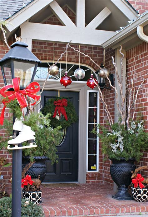 Interior: Minimalist Front Porch Decoration With Christmas