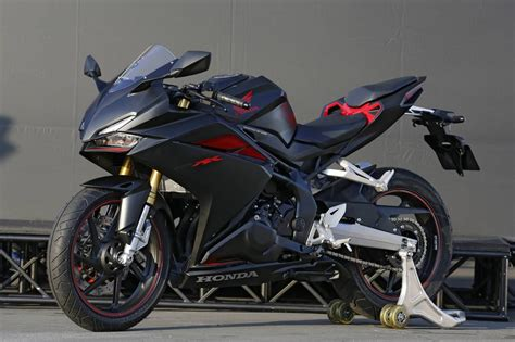 Review Honda Cbr250rr by 2017 Honda Cbr250rr Review Of Specs Features Pictures