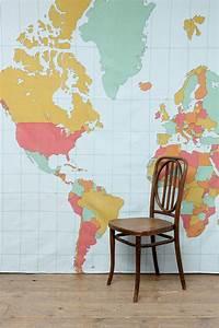 Tapisserie Carte Du Monde : dessus de lit style tapisserie motif mappemonde chez urban outfitters travels pinterest ~ Teatrodelosmanantiales.com Idées de Décoration