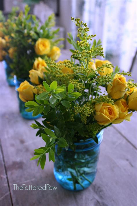 5 Simple Flower Centerpieces For Mother's Day » The