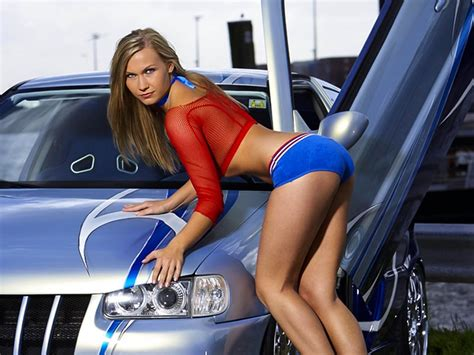 AUTO SHOW EVENT SEXY GIRL   Off Road Wheels