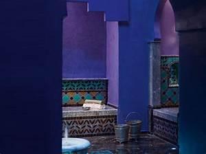 Pour un decor oriental jusque dans la salle de bain for Salle de bain design avec bougie décorative oriental