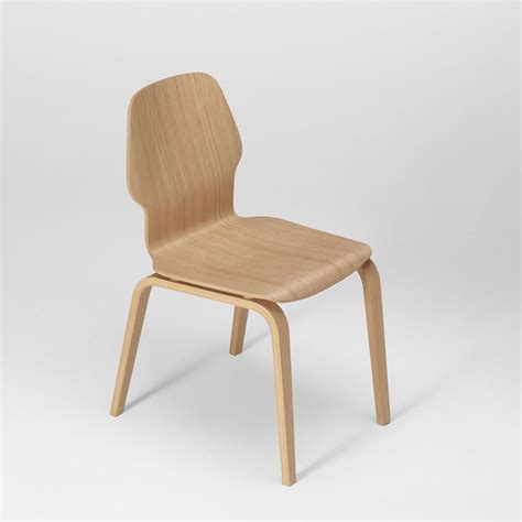 chaise chene fred chaise design en bois de chêne multiplis empilable