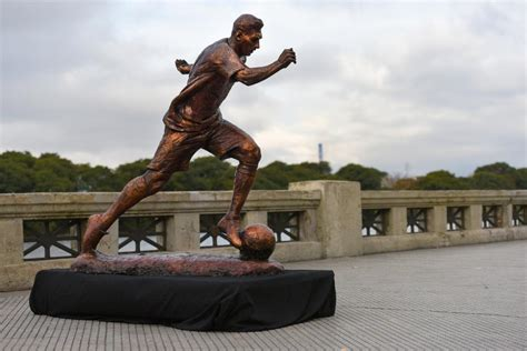 greatest immortalizing soccer statues