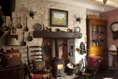 real home  traditional welsh cottage   vintage