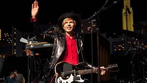 Beck wins with '90s anthem 'Loser' on 'Austin City Limits ...