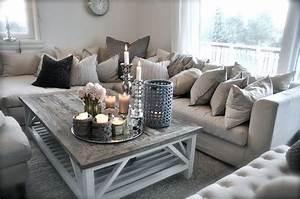Salon Gris Blanc : livingroom salon couleur pale gris blanc beige chandelles sofa deco home decor ~ Dallasstarsshop.com Idées de Décoration