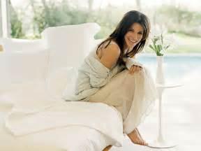 Sandra bullock Profile And Beautiful Latest Hot Wallpaper ...